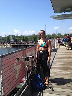 johanna hudson in her wetsuit with her bike