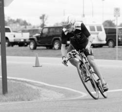 devin witting cycling on course